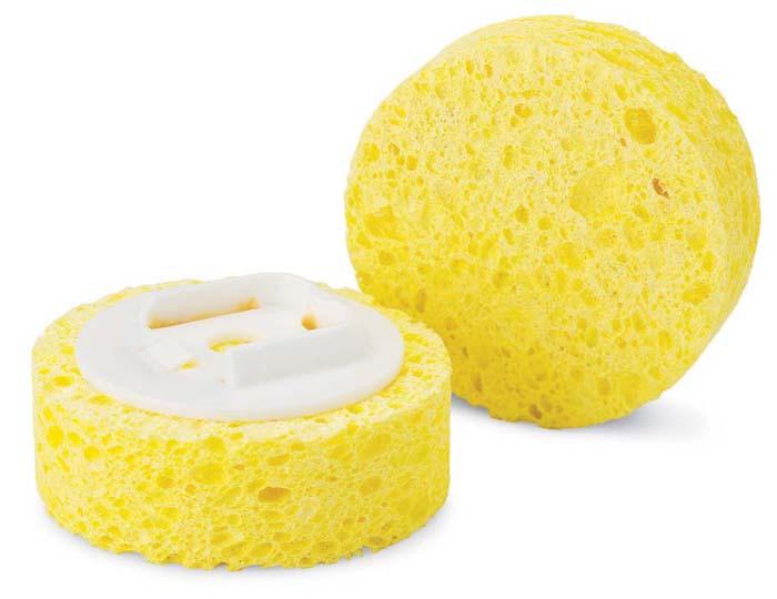 Губка Libman сменная, 2 шт. 0104601046СменныСменная губка Libman круглой формы выполнена из целлюлозы. Губка прекрасно очищает сильные загрязнения, не царапая поверхность. В комплекте 2 губки. Характеристики: Материал: пластик, полимер, целлюлоза. Диаметр губки: 7,5 см. Комплектация: 2 шт. Артикул: 01046.Компания Libman основана в 1896 году выходцем из Латвии Вильемом Либманом, задавшимся целью создавать высококачественные и долговечные изделия для уборки - веники, из сельскохозяйственных отходов и стеблей сорго. Унаследовавшие бизнес, сыновья Вильяма Либмана, не только сохранили компанию во время Великой депрессии, но укрепили и расширили ее. В 1980 году были введены новейшие технологии, позволившие компании стать одной из крупнейших в США по производству уборочного инвентаря.На сегодняшний день Libman - это компания с мировым именем, благодаря высокому качеству и разнообразию уборочного инвентаря, признана потребителями всего мира.