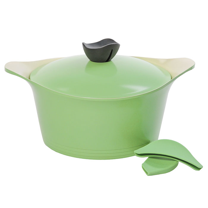 Кастрюля Frybest Ever Green с крышкой, 4,5л, цвет:зеленый, светлое внутреннее покрытие. GRCY-C24GRCY-C24Практичная и удобная кастрюля Frybest Ever Greentпрекрасно подойдет приготовления различных каш, супов, соусов и других вкусных блюд. Кастрюля изготовлена из высококачественного литого алюминия с керамическим покрытием Ecolon как внутри, так и снаружи. Это покрытие является экологичным, так как состоит только из натуральных компонентов, таких как камень и песок. Благодаря этому в процессе приготовления пищи посуда не выделяет вредные вещества. Инновационное антипригарное покрытие позволяет готовить практически без масла и предохраняет продукты от пригорания. Слой анионов (отрицательно заряженных ионов) обладает антибактериальными свойствами. Они намного дольше сохраняют приготовленную пищу свежей. Также покрытие обладает непревзойденной прочностью и устойчивостью к царапинам, поэтому во время готовки можно использовать металлические аксессуары. Благодаря такому покрытию кастрюлю легко мыть после использования. Кастрюля имеет специальное утолщенное дно для идеальной теплопроводимости. Она очень быстро разогревается, экономя электроэнергию и время приготовления. Кастрюля оснащена двумя короткими ручками. В комплект входят силиконовые насадки для ручек, которые обеспечат безопасность. Также к кастрюле прилагается крышка из алюминия с удобной пластиковой ручкой.Кастрюля Frybest Ever Greent подходит для использования на всех типах плит, кроме индукционной. Также изделие можно мыть в посудомоечной машине.Изысканное сочетание зеленого внешнего и нежного кремового внутреннего керамического покрытияУникальная запатентованная форма бобышки со встроенной системой паровыпускаСиликоновые вставки на ручкахЭксклюзивный дизайн изделий Характеристики:Материал: алюминий, пластик, силикон. Объем кастрюли:4,5 л. Внутренний диаметр кастрюли:24 см. Внешний диаметр кастрюли:26 см. Высота стенок кастрюли:12 см. Размер упаковки:27 см х 15 см х 27 см. Производитель:Корея. Артикул:GRCY-C24.