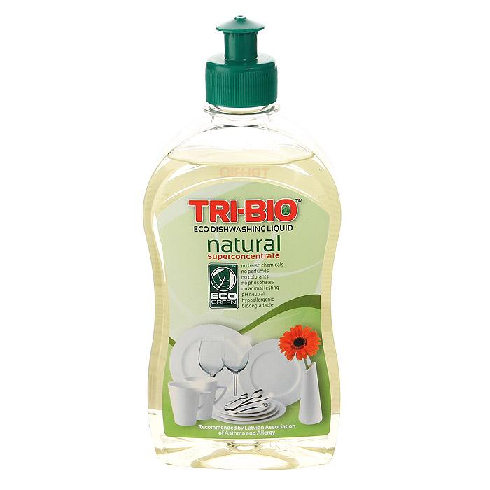 Натуральная эко-жидкость для мытья посуды Tri-Bio, 420 мл0181, 0116Натуральная эко-жидкость для мытья посуды Tri-Bio рекомендована для людей с чувствительной кожей. Она никогда не оставляет кожу рук сухой и потрескавшейся.Экологическая формула основана на натуральных растительных и минеральных компонентах и провитамине В5 для смягчения кожи. Не содержит опасных химических веществ, но так же эффективна, как широко известные жесткие химические моющие средства.Особенности биосредства Tri-Bio для здоровья:Без фосфатов, без растворителей, без хлора отбеливающих веществ, без абразивных веществ, без отдушек, без красителей, без токсичных веществ, нейтральный pH, гипоаллергенно. Безопасная альтернатива химическим аналогам. Присвоен сертификат ECO GREEN. Рекомендуется для людей склонных к аллергическим реакциям и страдающих астмой.Особенности биосредства Tri-Bio для окружающей среды:Низкий уровень ЛОС, легко биоразлагаемо, минимальное влияние на водные организмы, рециклируемые упаковочные материалы, не испытывалось на животных. Особо рекомендуется использовать в домах с автономной канализацией.Способ применения:Используйте ваш любимый традиционный метод мытья посуды. Экономьте воду и энергию, берегите окружающую среду. Характеристики:Объем:420 мл. Производитель:США. Артикул:0116.Как выбрать качественную бытовую химию, безопасную для природы и людей. Статья OZON Гид