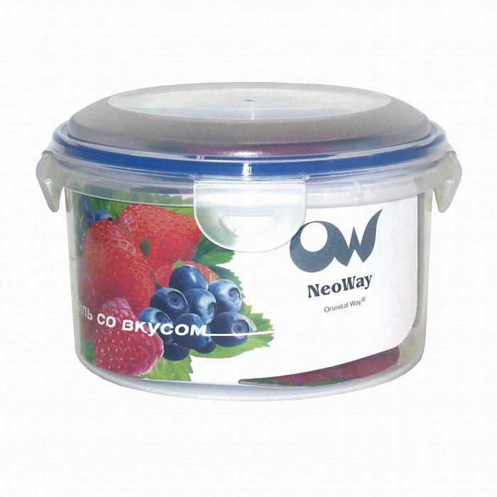 Контейнер для СВЧ NeoWay Enjoy круглый, 0,45 лYP1027BКруглый контейнер для СВЧ NeoWay Enjoy, выполненный из высококачественного пластика, это удобная и легкая тара для хранения и транспортировки бутербродов, порционных салатов, мяса или рыбы, горячих и холодных блюд, даже жидких продуктов. Контейнер 100% герметичен. Крышка оснащена четырьмя специальными защелками и силиконовым уплотнителем. Клипсы (защелки) позволяют произвести защелкивание более чем 400000 раз. Пустотелый силиконовый уплотнитель имеет большую гибкость и лучшее прилегание. Контейнеры могут быть вставлены один в другой, что позволяет сэкономить много пространства.Контейнер для СВЧ NeoWay Enjoy выдерживает температуру в диапазоне от -20°C до +120°C, его можно мыть в посудомоечной машине и нельзя нагревать пустым. Характеристики:Материал: пластик. Объем контейнера: 0,45 л. Диаметр контейнера: 10,5 см. Высота контейнера (без учета крышки): 6,5 см. Производитель: Китай. Артикул: YP1027B.