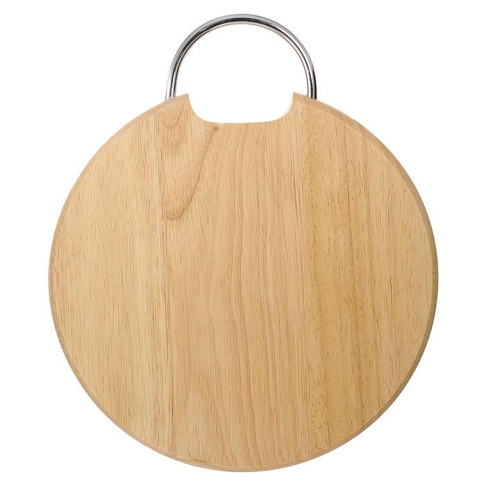 """Круглая разделочная доска """"Oriental way"""" с металлической ручкой изготовлена из высококачественной древесины гевеи. Прекрасно подходит для приготовления и сервировки пищи.Особенности разделочной доски """"Oriental way"""":   высокое качество шлифовки поверхности изделий,   двухслойное покрытие пищевым лаком, безопасным для здоровья человека,   степень влажность 8-10%, не трескается и не рассыхается,   высокая плотность структуры древесины,   устойчива к механическим воздействиям,   не предназначена для мытья в посудомоечной машине.   Характеристики: Материал: дерево, металл. Диаметр доски:  28,5 см. Высота доски:  2 см. Производитель: Таиланд. Артикул: 9/903. Торговая марка """"Oriental way"""" известна на рынке с 1996 года. Эта марка объединяет товары для кухни, изготовленные из дерева и других материалов. Все товары марки """"Oriental way"""" являются безопасными для здоровья, экологичными, прочными и долговечными в использовании."""