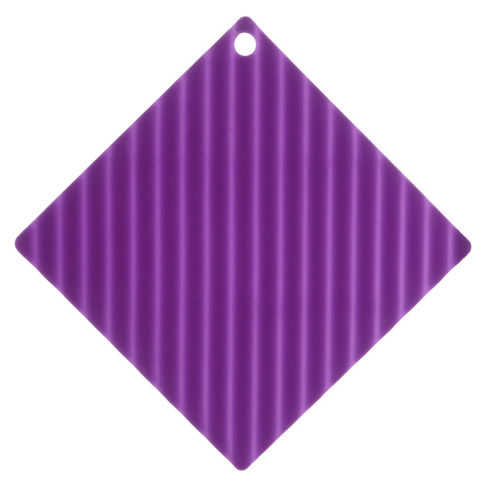 Подставка под горячее Marmiton, цвет: фиолетовый, 14,5 х 14,5 см11055Подставка под горячее Marmiton изготовлена из силикона, что позволяет ей выдерживать высокие температуры и не царапать поверхность стола. Материал устойчив к фруктовым кислотам, к воздействию низких и высоких температур. Не взаимодействует с продуктами питания и не впитывает их запахи как при нагревании, так и при заморозке. Использовать при температуре от - 40°C до +240°C. Изделие можно мыть и сушить в посудомоечной машине.Такая подставка придется по вкусу человеку, ценящему практичные и оригинальные вещицы.