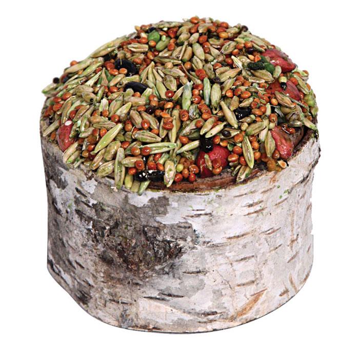 Лакомство для грызунов Triol, в пеньке, с овощами, 70 гКф-16500Лакомство для грызунов Triol с медом и овощами содержит высококачественные злаки, овощи, орехи, витамины для здоровья и жизненного тонуса вашего питомца.Является прекрасным продуктом для грызунов в оригинальной сервировке. Находится внутри пенька из натурального дерева лиственных пород. После того, как лакомство будет съедено, пенечек можно оставить как украшение, использовать как кормушку. Также его можно оставить для стачивания зубов.Состав: просо белое, просо красное, ячмень, семена подсолнечника, пшеница, суданка, травяные гранулы, кукуруза, арахис, сушеные овощи, овес, мед, семена луговых трав, йод в легко усвояемой форме, витамины A, B, B2, D, PP, пищевые скрепляющие добавки, дерево лиственных пород.Товар сертифицирован.Уважаемые клиенты! Обращаем ваше внимание на возможные изменения в дизайне упаковки. Качественные характеристики товара остаются неизменными. Поставка осуществляется в зависимости от наличия на складе.