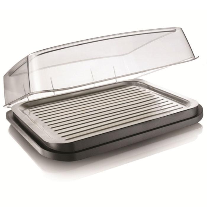 Охлаждающий контейнер-тарелка Vacu Vin Barbecue Cooler3548360Охлаждающая тарелка Vacu Vin Barbecue Cooler, выполненная из пластика, позволит вам дольше сохранять мясо, рыбу, суши, салаты и закуски, если нет возможности поместить эти продукты в холодильник. Прозрачная крышка защитит еду от насекомых.Благодаря съемному охлаждающему элементу вы можете использовать эту тарелку как на улице, так и дома. В комплект входит съемный охлаждающий элемент. Идеальное решение для пикников, барбекю, фуршетов! Характеристики:Цвет: серый. Размер: 37 см х 30 см х 11 см. Размер упаковки: 38,5 см х 31,5 см х 11,5 см. Производитель: Нидерланды.