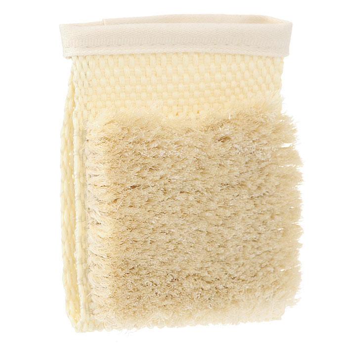 Мочалка-варежка Riffi массажная. 110110Массажная мочалка-варежка Riffi используется для мытья тела, обладает активным антицеллюлитным эффектом, отлично действует как пилинговое средство, тонизируя, массируя и эффективно очищая вашу кожу. Сизалевая щетина увеличивает глубину антицеллюлитного и тонизирующего действия массажа на кожу, подкожный слой и мышцы. Мочалку можно использовать для сухого и влажного массажа.Благодаря отшелушивающему эффекту варежки, кожа освобождается от отмерших клеток, становится гладкой, упругой и свежей. Массаж тела с применением Riffi стимулирует кровообращение, активирует кровоснабжение, способствует обмену веществ, что в свою очередь позволяет себя чувствовать бодрым и отдохнувшим после принятия душа или ванны. Riffi регенерирует кожу, делает ее приятно нежной, мягкой и лучше готовой к принятию косметических средств. Приносит приятное расслабление всему организму. Борется со спазмами и болями в мышцах, предупреждает образование целлюлита и обеспечивает омолаживающий эффект. Натуральные и биологически чистые материалы предохраняют от раздражений даже самую нежную и чувствительную кожу во время массажа. Характеристики:Материал варежки: 100% полиэстер. Материал щетины: 100% сизаль. Размер мочалки: 13 см х 10 см. Размер щетинистой поверхности: 9 см x 8 см. Высота щетины: 2 см. Размер упаковки: 12,5 см x 11,5 см x 3 см. Производитель: Германия. Артикул:110. Товар сертифицирован.