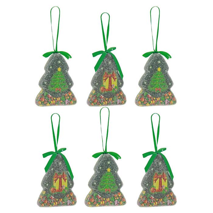"""Оригинальные елочные украшения """"Елки"""", выполненные в форме елки из пластика с матовым покрытием, декорированы блестками и изображением в виде подарков на елке. Такие украшения легки и удобны при оформлении елки, они не разобьются и более долговечны. В свете новогодних гирлянд игрушки будут таинственно мерцать, сиять, и радовать своей красотой всех окружающих.  Елочная игрушка - символ Нового года. Она несет в себе волшебство и красоту праздника. Создайте в своем доме атмосферу веселья и радости, украшая всей семьей новогоднюю елку нарядными игрушками, которые будут из года в год накапливать теплоту воспоминаний. Характеристики:Материал:  пластик. Цвет:  зеленый. Размер елочки: 9 см х 7,5 см х 1,5 см. Размер упаковки: 19 см х 10 см х 3 см. Комплектация: 6 шаров. Изготовитель: Китай. Артикул: Ф21-2163."""