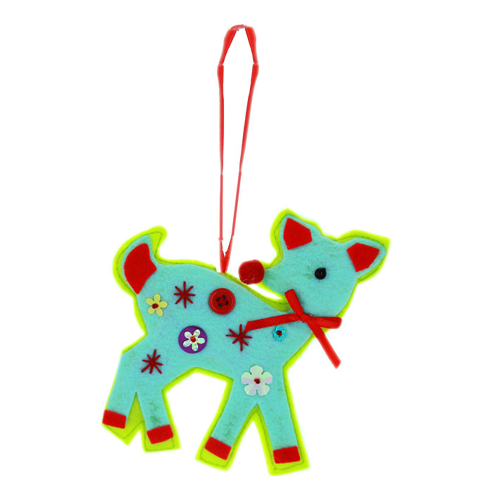 Подвесное украшение Олененок, цвет: голубой, зеленый, красный25351Подвесное новогоднее украшение Олененок, выполненное из ткани, декорировано пайетками,пуговицей и бусиной. Украшение дополнит любой интерьер и порадует вас и ваших близких. Характеристики:Материал:полиэстер. Цвет:голубой, зеленый, красный. Размерукрашения: 12х 12х 1,5 см.
