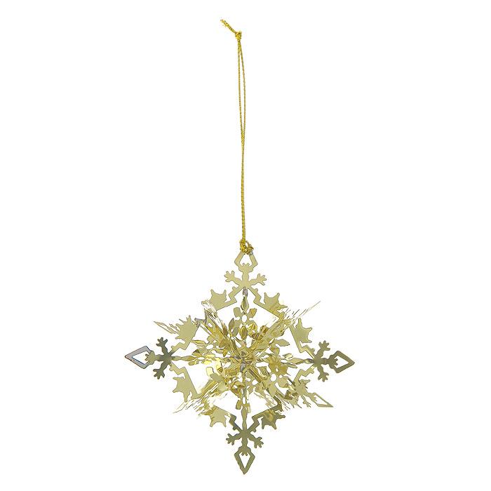 Новогоднее подвесное украшение Снежинка, цвет: золотистый. 2510225102Новогоднее подвесное украшение Снежинка, выполненное из золотистого металла, украсит интерьер вашего дома или офиса в преддверии Нового года. Оригинальный дизайн и красочное исполнение создадут праздничное настроение. Новогодние украшения всегда несут в себе волшебство и красоту праздника. Создайте в своем доме атмосферу тепла, веселья и радости, украшая его всей семьей. Характеристики:Материал:металл. Размер украшения:5 см х 5 см х 5 см. Размер упаковки:6 см х 6 см х 6 см. Изготовитель:Китай. Артикул:25102.