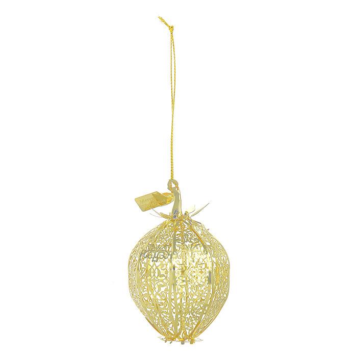 Новогоднее подвесное украшение Физалис, цвет: золотистый. 2508325083Новогоднее подвесное украшение Физалис, выполненное из золотистого металла, украсит интерьер вашего дома или офиса в преддверии Нового года. Оригинальный дизайн и красочное исполнение создадут праздничное настроение. Новогодние украшения всегда несут в себе волшебство и красоту праздника. Создайте в своем доме атмосферу тепла, веселья и радости, украшая его всей семьей. Характеристики:Материал:металл. Размер украшения:5 см х 5 см х 8 см. Размер упаковки:6 см х 6 см х 8 см. Изготовитель:Китай. Артикул:25083.