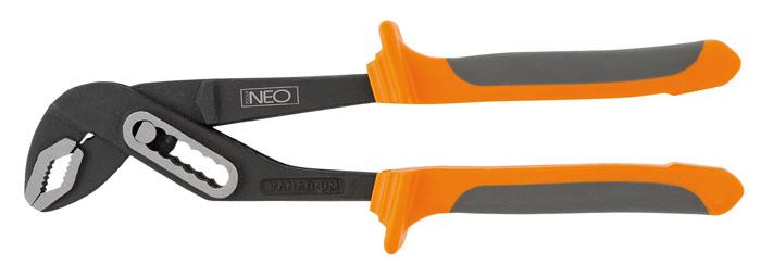Клещи переставные Neo, 25 см01-201Клещи переставные Neo для захвата и надежного удержания предметов различных размеров и форм. Клещи имеют эргономичные двухкомпонентные ручки. Характеристики: Материал: пластик, металл. Длина клещей: 25 см. Максимальный зажим: 5 см. Размер упаковки:29 см х 8,5 см х 3 см.