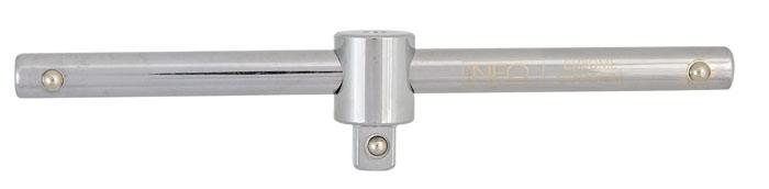 Вороток Neo 3/808-155Вороток Neo предназначен для закрепления в нем торцевых головок. Характеристики: Материал: хром-ванадий. Длина воротка: 17 мм. Размер переходника: 3/8. Размер упаковки:23 см х 5 см х 2 см.