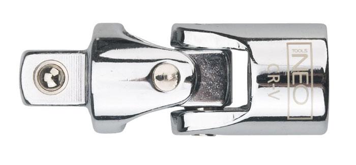 Шарнир карданный Neo 1/408-255Шарнир карданный Neo позволяет менять угол наклона инструмента относительно монтируемой детали. Шарнир имеет присоединительный квадрат с шариковым фиксатором. Шарнир карданный используется при работе с резьбовыми соединениями в труднодоступных местах. Характеристики: Материал: хром-ванадий. Размер переходника: 1/4. Размер шарнира: 3,5 см х 1 см х 1 мм. Размер упаковки:9,5 см х 4,5 см х 1 см.