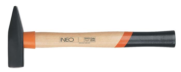 Молоток слесарный Neo, 300 г25-013Молоток слесарный Neo имеет два разных бойка - один ровный, другой сужающийся и прочную деревянную ручку. Применяется для гибки металла, вбивания гвоздей, осадки шпонок. Острой стороной можно забивать маленькие гвозди. Характеристики: Материал: сталь, дерево. Длина ручки: 30 см. Вес: 300 г. Размеры упаковки: 30 см х 10 см х 2 см.