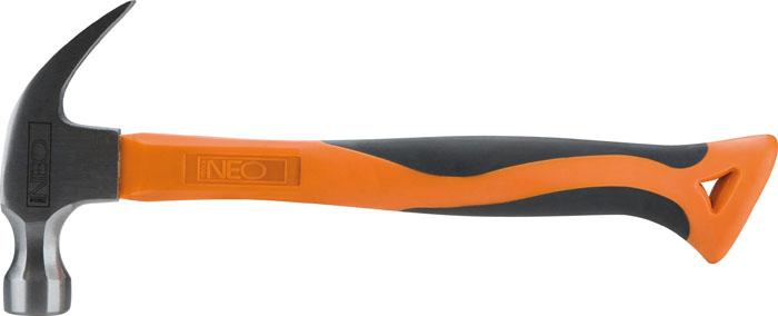 Молоток столярный Neo, фиброгласовый, 450 г25-045Молоток столярный Neo предназначен не только для заколачивания гвоздей, но и для их удаления. Молоток выполнен из высококачественной полированной стали. Имеет фибергласовую ручку, которая амортизируетудар и создает удобный захват. Круглый боек и губки гвоздодера закалены. Эргономичнаяручка молотка оформлена накладкой из композитной резины, что обеспечивает надежный хват и баланс при работе. Характеристики: Материал: металл, пластик, резина. Длина: 32 см. Вес: 450 г. Размер упаковки: 32 см х 14 см х 3 см.