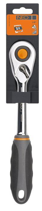 Трещотка Neo, 1/2 08-51008-510Трещотка Neo используется для монтажа/демонтажа различных резьбовых соединений. Корпус трещотки выполнен из хром-ванадиевой стали высокой прочности. Храповик с 48 зубьями. Характеристики: Материал: резина, хром-ванадий. Длина ручки: 11 см. Размер для головок, переходников: 1/2. Размер упаковки:31 см х 5 см х 4 см.