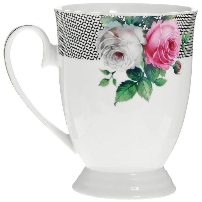 Кружка Сафир, цвет: белый, 270 мл222155BКружка Сафир, изготовленная из высококачественного фарфора белого цвета, декорирована рисунком розовых и белых роз, а также серебристой эмалью в виде изящных линий. Такая кружка придется по вкусу ценителям утонченности и изысканности. Кружка послужит не только приятным подарком, но и практичным сувениром. Оригинальная кружка упакована в стильную подарочную коробку из плотного картона синего цвета с логотипом компании. Характеристики:Материал: фарфор. Цвет: белый. Диаметр кружки по верхнему краю: 8 см. Высота кружки:11 см. Объем кружки:270 мл. Размер упаковки: 12,5 см х 9 см х 12 см. Артикул: 222155B.