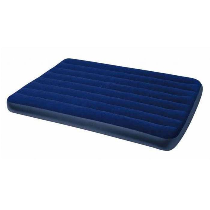 Кровать надувная Intex Royal, цвет: синий, 137 см х 191 см х 22 см68758Надувная кровать Intex Royal прекрасно подойдет для использования дома в качестве дополнительного спального места. Если вы собираетесь в поездку на дачу, в поход, на пикник, то такая кровать окажется очень кстати - вы прекрасно отдохнете на ней и днем, и ночью, а оказавшись на водоеме, сможете использовать ее на воде. Кровать изготовлена из высококачественного ПВХ. Флокированный верхний слой (напоминающий велюр) не дает простыне соскальзывать во время сна. Эксклюзивная внутренняя конструкция перегородок, обеспечивает повышенный комфорт и удобство использования.Эта необычайно удобная надувная кровать поможет вам полноценно отдохнуть. Гарантия производителя: 30 дней. Характеристики: Размер кровати в надутом виде: 137 см х 191 см х 22 см. Максимальная нагрузка: 273 кг. Размер упаковки: 35,5 см х 28 см х 9,5 см. Артикул:68758.Уважаемые клиенты!Просим обратить ваше внимание на тот факт, что кровать поставляется в сдутом виде и надувается при помощи насоса (насос не входит в комплект).