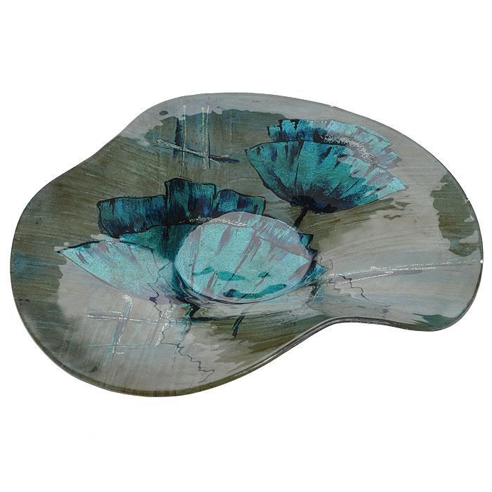Блюдо Lillo Glass, цвет: светло-коричневый, синий, 38,5 см х 36 см х 6 см213060Блюдо Lillo Glass, изготовленное из стекла светло-коричневого цвета, декорировано рисунком синих цветов и серебристых блесток. Такое блюдо сочетает в себе изысканный дизайн с максимальной функциональностью. Красочность оформления придется по вкусу тем, кто предпочитает утонченность и изящность.Блюдо Lillo Glass украсит сервировку вашего стола и подчеркнет прекрасный вкус хозяина, а также станет отличным подарком. Характеристики:Материал: стекло. Цвет: светло-коричневй, синий. Размер блюда:38,5 см х 36 см х 6 см. Размер упаковки: 37 см х 38 см х 9,5 см. Артикул: 213060.