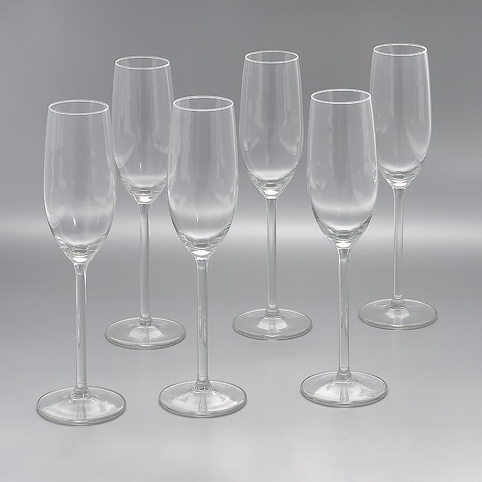 """Набор """"Allure"""", изготовленный из высококачественного стекла, состоит из шести бокалов на высоких ножках. Бокалы предназначены для подачи шампанского. Они сочетают в себе элегантный дизайн и функциональность. Благодаря такому набору пить напитки будет еще вкуснее. Набор бокалов """"Allure"""" идеально подойдет для сервировки стола и станет отличным подарком к любому празднику. Характеристики:  Материал: стекло. Диаметр бокала по верхнему краю:  4,5 см. Диаметр основания бокала:  7 см. Высота бокала:  25 см. Объем бокала:  210 мл. Комплектация:  6 шт. Размер упаковки: 22,5 см х 15 см х 25 см. Артикул: Гл 450170."""