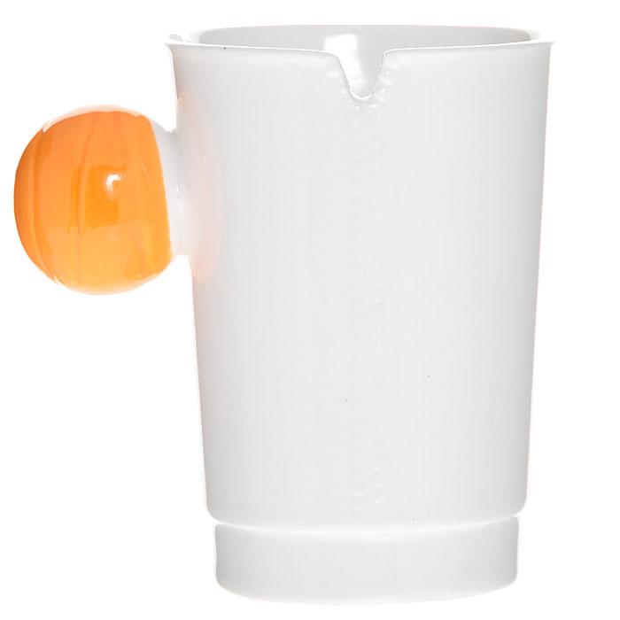 """Керамическая кружка """"На молнии"""" - незаменимый аксессуар на вашей кухне. Кружка белого цвета имеет оригинальную шарообразную ручку желтого цвета.Такая кружка станет не только приятным, но и практичным подарком для каждого.     Характеристики:  Материал: керамика. Диаметр по верхнему краю: 7,5 см. Высота кружки: 10 см. Размер упаковки: 11 см х 10 см х 10 см. Артикул: 002425."""
