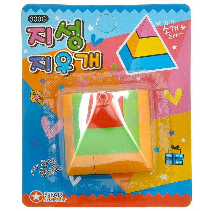 Ластик Геометрия. Пирамида. 002363002363Яркий ластик выполнен из резины в форме пирамиды. Такой ластик станет незаменимым аксессуаром на рабочем столе не только школьника или студента, но и офисного работника. Ластик оригинального дизайна поднимет настроение и станет оригинальным сувениром. Характеристики:Материал: резина. Размер ластика: 4 см х 4 см х 4 см. Размер упаковки: 7,5 см х 9,5 см х 4 см. Артикул: 002363.
