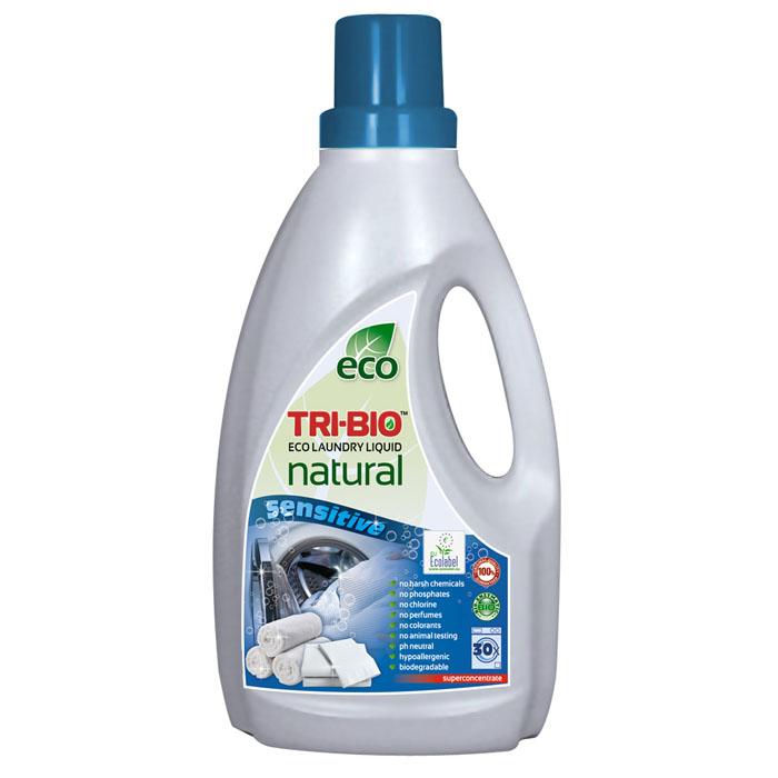 Натуральная эко-жидкость Tri-Bio для стирки, 1,42 л0169Натуральная эко-жидкость Tri-Bio основана на био-энзимах и натуральных растительных и минеральных компонентах. Не содержит фосфаты и формальдегиды, но также эффективна как широко известные жесткие химические средства. Идеально подходит для детского белья и людей с чувствительной кожей. Не содержит ароматов и красителей, рекомендуются для людей, склонных к аллергическим реакциям и страдающих астмой. Без фосфатов, хлора, растворителей, отбеливающих веществ, абразивных веществ, отдушек, красителей и токсичных веществ, нейтральный pH, гипоаллергенно. Для здоровья: Безопасная альтернатива химическим аналогам. Присвоены сертификаты EU Ecolabel и ECO GREEN. Для окружающей среды: Низкий уровень ЛОС, биоразлагаемо, минимальное влияние на водные организмы. Особо рекомендуется использовать в домах с автономной канализацией. Характеристики:Объем: 1,42 л. Производитель: США. Изготовитель: Китай. Артикул: 0169.