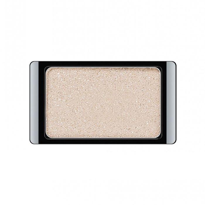 Artdeco Тени для век, с блестками, 1 цвет, тон №373, 0,8 г30.373Тени для век Artdeco с блестками - шелковистые мягкие тени с мерцающим блеском, придадут вашему макияжу шик и роскошь. Подобранные в изящные магнитные палитры они придадут обворожительное сияние любому вашему событию!Характеристики:Вес: 0,8 г. Тон: №373. Производитель: Германия. Артикул: 30.373. Товар сертифицирован.