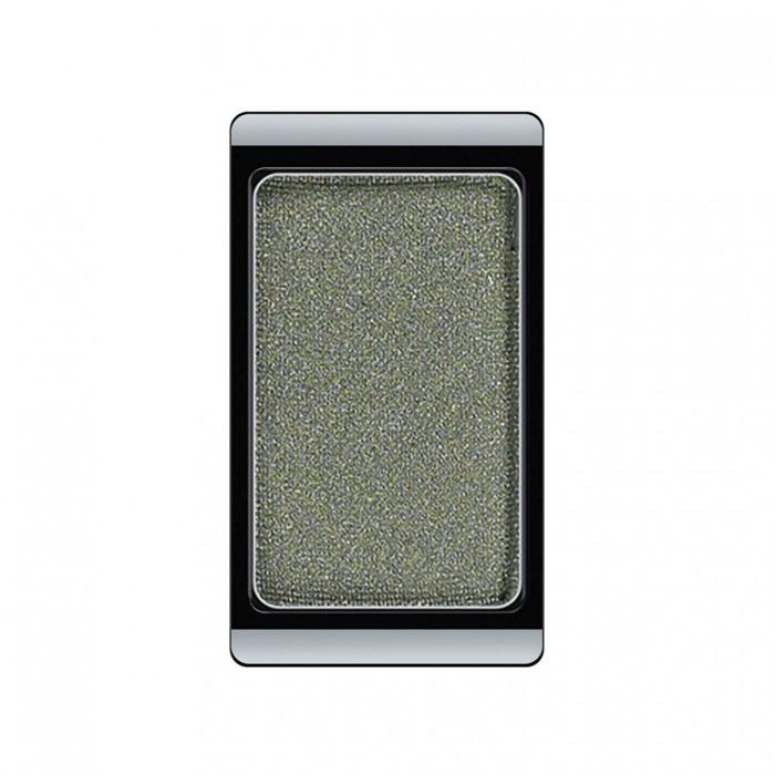 Artdeco Тени для век, перламутровые, 1 цвет, тон №40, 0,8 г30.40Перламутровые тени для век Artdeco придадут вашему взгляду выразительную глубину. Их отличает высокая стойкость и невероятно легкое нанесение. Это профессиональный продукт для несравненного результата! Упаковка на магнитах позволяет комбинировать тени по вашему выбору в элегантные коробочки. Тени Artdeco дарят возможность почувствовать себя своим собственным художником по макияжу! Характеристики:Вес: 0,8 г. Тон: №40. Производитель: Германия. Артикул: 30.40. Товар сертифицирован.
