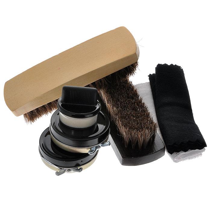 Дорожный набор для ухода за обувью, в футляре, цвет: темно-красный. 2512825128Дорожный набор для ухода за обувью включает в себя: две щетки для обуви, один прозрачный крем, один черный крем, два лоскута ткани и губку для кремов. Все предметы набора упакованы в компактный прямоугольный футляр темно-красного цвета изготовленного из полиуретана, закрывающийся на металлическую кнопку. Характеристики:Материал: полиуретан, пластик, металл, текстиль. Размер футляра: 10 см х 10,5 см х 20,5 см. Размер лоскутков: 28 см х 10,5 см; 39,5 см х 11 см. Размер банки с кремом: 5,5 см х 1,5 см х 5,5 см. Диаметр губки для крема: 3,5 см. Размер щетки: 13,5 см х 4 см х 3,5 см. Размер упаковки: 10,5 см х 11 см х 21 см. Артикул: 25128.