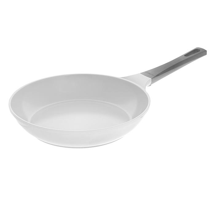 Сковорода Frybest Sand, 28cм, цвет:серый/светлое внутр. покрытие CA-F28SCA-F28SСковорода Frybest, изготовлена по новейшей технологии из литого алюминия с керамическим антипригарным покрытием Ecolon, в производстве которого используются природные материалы безопасные для здоровья.Особенности сковороды Frybest:Технология литья алюминия под высоким давлением обеспечивает блестящие теплопроводные качества;Оригинальный дизайн силиконовой ручки с эффектом soft-touch;Оптимальная толщина изделий: дно - 0,5 см;За счет керамического покрытия достигается супербыстрый нагрев имаксимальная температура нагрева, что обеспечивает возможность профессионального стиля приготовления пищи. Характеристики:Материал: алюминий, керамика, силикон. Цвет: серый. Диаметр: 28 см. Высота стенки:5,5 см. Толщина дна:0,5 см. Длина ручки:20 см. Диаметр основания:20 см. Производитель:Южная Корея. Артикул: CA-F28S.