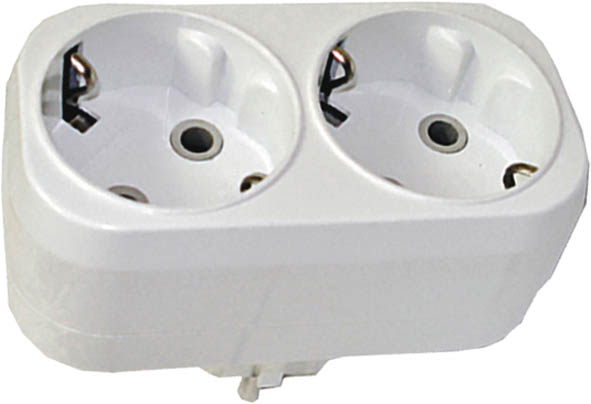 Разветвитель UNIVersal с заземлением, 2 гнезда. 83317A302Разветвитель UNIVersal предназначен для одновременного присоединения одного, двух или трех бытовых приборов к одной розетке двухполюсной электрической сети переменного тока напряжением 220-250 Вт, частотой 50 Гц. Применяются для подключения электроприборов с вилкой европейского стандарта к розеткам европейского стандарта до 250 Вт, изготовлен из АБС-пластика белого цвета. Характеристики: Материал: ABS пластик. Размеры разветвителя: 9 см x 4,5 см x 7,5 см. Размер упаковки: 22,5 см x 13,5 см x 8 см.