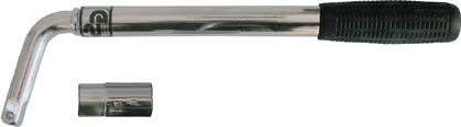 Ключ баллонный телескопический FIT, цвет: серебристый, черный, 550 мм62750Ключ балонный телескописеский FIT предназначен для монтажа или демонтажа колес грузовых или легковых автомобилей. Корпус изготовлен из углеродистой стали. Оснащен двухсторонней головкой на 17-19 мм. Имеет защитное цинковое покрытие, которое обеспечивает долговечность применения и прорезиненную рукоятку. Характеристики: Материал: сталь, резина. Размерыключа: 55 см x 9,5 см x 3 см. Размер упаковки: 40,5 см x 13,5 см x 3,5 см.
