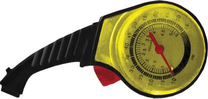 Манометр ручной FIT64704Манометр ручной FIT предназначен для измерения давления в шинах автомобиля. Используется для измерения давления до 5,5 АТМ. Манометр FIT выполнен из пластика. Он имеет две шкалы измерения. Измеренные показания фиксируются. Характеристики:Материал: пластик. Размер манометра: 11 см х 5 см х 2 см. Диаметр циферблата: 4,5 см. Диапазон измерения: 0-75 PSI, 0-5,5 АТМ. Размер упаковки: 16 см х 10 см х 3 см.