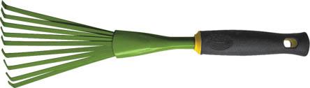 Грабли веерные FIT мини, 420 мм. 7702377023Грабли веерные FIT мини предназначены специально для работы на садовых участках. Специальная веерная форма зубьев и малые габариты позволяет удобно и быстро справляться работой: убирать мусор и сухую листву. Мягкая прорезиненная ручка создаст комфорт в работе с инструментом. Характеристики: Материал: сталь, ПВХ, резина. Размеры граблей: 42 см x 13 см x 7 см. Размер упаковки: 35 см x 16 см x 7,5 см.