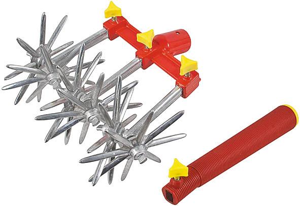 Культиватор ручной FIT, вращающийся, 3 диска77249Культиватор ручной FIT предназначен для рыхления почвы. Разборный принцип конструкции позволяет использовать культиватор с 1, 2 или 3 насадками со звездочками. В рукоятке может быть закреплена 1 насадка. Для работы с основанием используется деревянный черенок. Характеристики: Материал: алюминиевый сплав, пластиковая рукоятка. Размеры 1 насадки: 17 см х 12 см х 7 см. Диамерт основания: 2,3 см. Длина рукоятки:21 см. Размер упаковки:17 см х 9 см х 19 см.