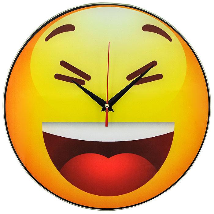 Часы настенные Смайл, кварцевые. 9439994399Настенные кварцевые часы Смайл своим необычным дизайном подчеркнут стильность и оригинальность интерьера вашего дома. Циферблат часов круглой формы выполнен из стекла и оформлен изображением хохочущего смайлика. Часы имеют три стрелки - часовую, минутную и секундную. На задней стенке часов расположена металлическая петелька для подвешивания. Такие часы послужат отличным подарком для ценителя ярких и необычных вещей. Характеристики:Материал: стекло, металл. Диаметр корпуса часов:28 см. Размер упаковки:29,5 см х 29 см х 4,5 см. Артикул:94399. Рекомендуется докупить батарейку типа АА (не входит в комплект).