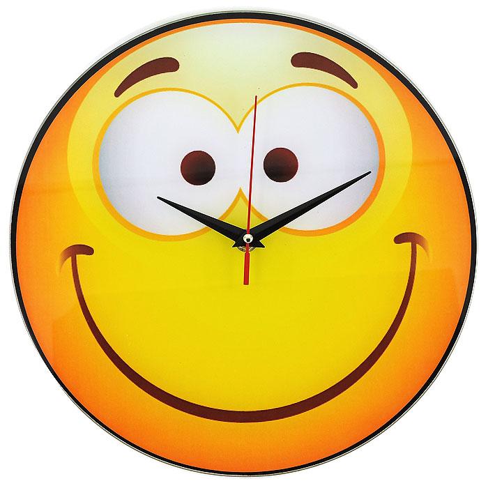 Часы настенные Смайл, кварцевые. 9439794397Настенные кварцевые часы Смайл своим необычным дизайном подчеркнут стильность и оригинальность интерьера вашего дома. Циферблат часов круглой формы выполнен из стекла и оформлен изображением очаровательного смайлика. Часы имеют три стрелки - часовую, минутную и секундную. На задней стенке часов расположена металлическая петелька для подвешивания. Такие часы послужат отличным подарком для ценителя ярких и необычных вещей. Характеристики:Материал: стекло, металл. Диаметр корпуса часов:28 см. Размер упаковки:29,5 см х 29 см х 4,5 см. Артикул:94397. Рекомендуется докупить батарейку типа АА (не входит в комплект).