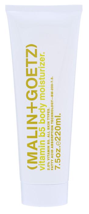 Malin+Goetz Молочко для тела, увлажняющее, с витамином В5, 220 млCB002Увлажняющее и питательное молочко для тела Malin+Goetz разработано для ежедневного ухода и поддержания баланса всех типов кожи. Молочко для тела сочетает натуральный витамин В5, смягчающий экстракт бергамота и питательные аминокислоты, не содержит масел и не оставляет следов на коже.Естественным образом увлажняет и поддерживает рН-баланс всех типов кожи, особенно чувствительной кожи, обеспечивая непрерывную защиту и увлажнение 24 часа. Не содержит традиционно используемые масла, воски и силиконовые наполнители, которые создают ложное ощущение увлажненности кожи. Быстро впитывается, имеет натуральный аромат и цвет. Характеристики:Объем: 220 мл. Производитель: США. Товар сертифицирован.