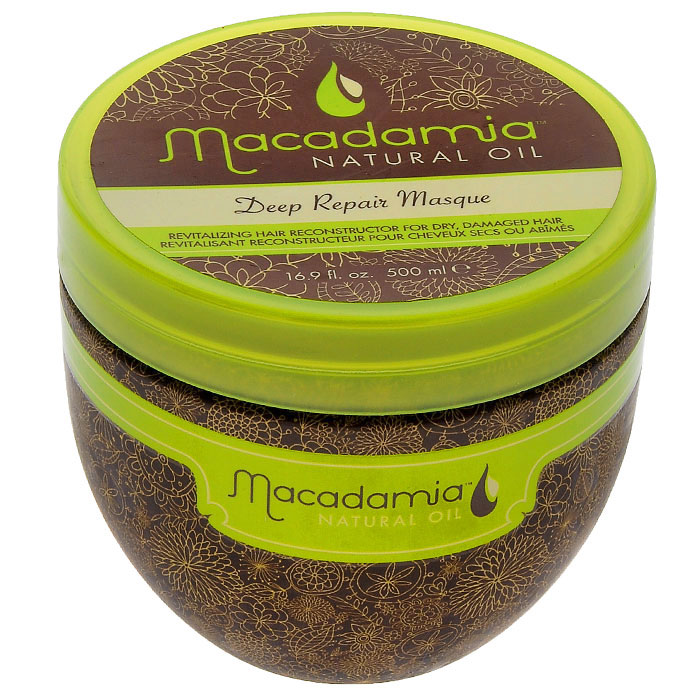 Macadamia Natural Oil Маска для волос восстанавливающая, интенсивного действия, с маслом арганы и макадамии, 500 млММ5Маска Macadamia Natural Oil - это оживляющий реконструктор сухих, поврежденных волос. Сочетание масла макадамии и арганы вместе с маслами чайного дерева, ромашки, алое и экстрактов водорослей оживляет и восстанавливает волосы, глубоко питая их и возвращая им эластичность и блеск, с пролонгированным кондиционирующим эффектом.Способ применения: распределите небольшое количество маски на чистых, вымытых шампунем восстанавливающим с маслом арганы и макадамии и подсушенных полотенцем волосах от корней до кончиков. Оставьте для воздействия на 7 минут. Смойте. Не используйте чаще двух раз в неделю. Характеристики:Объем: 500 мл. Производитель: США. Товар сертифицирован.