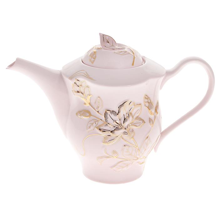 Чайник Розовая лиана, 1 л595-111Чайник Розовая лиана выполнен из высококачественного фарфора светло-розового цвета и декорирован рельефными золотистыми цветами. Красочность оформления придется по вкусу и ценителям классики, и тем, кто предпочитает утонченность и изящность. Чайник Розовая лиана украсит сервировку вашего стола и подчеркнет прекрасный вкус хозяина, а также станет отличным подарком. Чайник упакован в подарочную коробку золотистого цвета. Внутренняя часть коробки задрапирована белым атласом. Чайник надежно крепится в определенном положении.Размер чайника: 25 х 13 х 18,5 см.