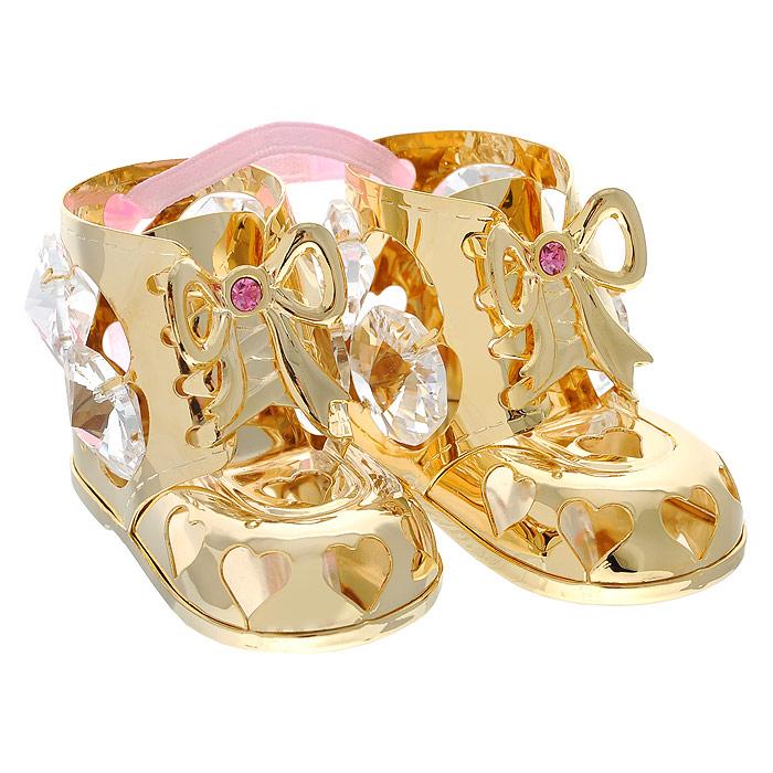Фигурка декоративная Пара пинеток, цвет: розовый, золотистый. 692711692711Декоративная фигурка Пара пинеток, выполненная из металла золотистого цвета, станет необычным аксессуаром для вашего интерьера и создаст незабываемую атмосферу. Фигурка выполнена в виде пары пинеток, висящих на розовой ленте, и инкрустирована восемью прозрачными и двумя розовыми кристаллами. Кристаллы, украшающие фигурку, носят громкое имяSwarovski. Ограненные, как бриллианты, кристаллы блистают сотнями тысяч различных оттенков.Эта очаровательная вещь послужит отличным подарком близкому человеку, родственнику или другу, а также подарит приятные мгновения и окунет вас в лучшие воспоминания.Фигурка упакована в подарочную коробку. Характеристики:Материал: метал, стекло. Размер пинетки: 5 см х 2,5 см х 3,2 см. Цвет: розовый, золотистый. Размер упаковки: 5,5 см х 4,5 см х 9 см. Артикул: 692711.