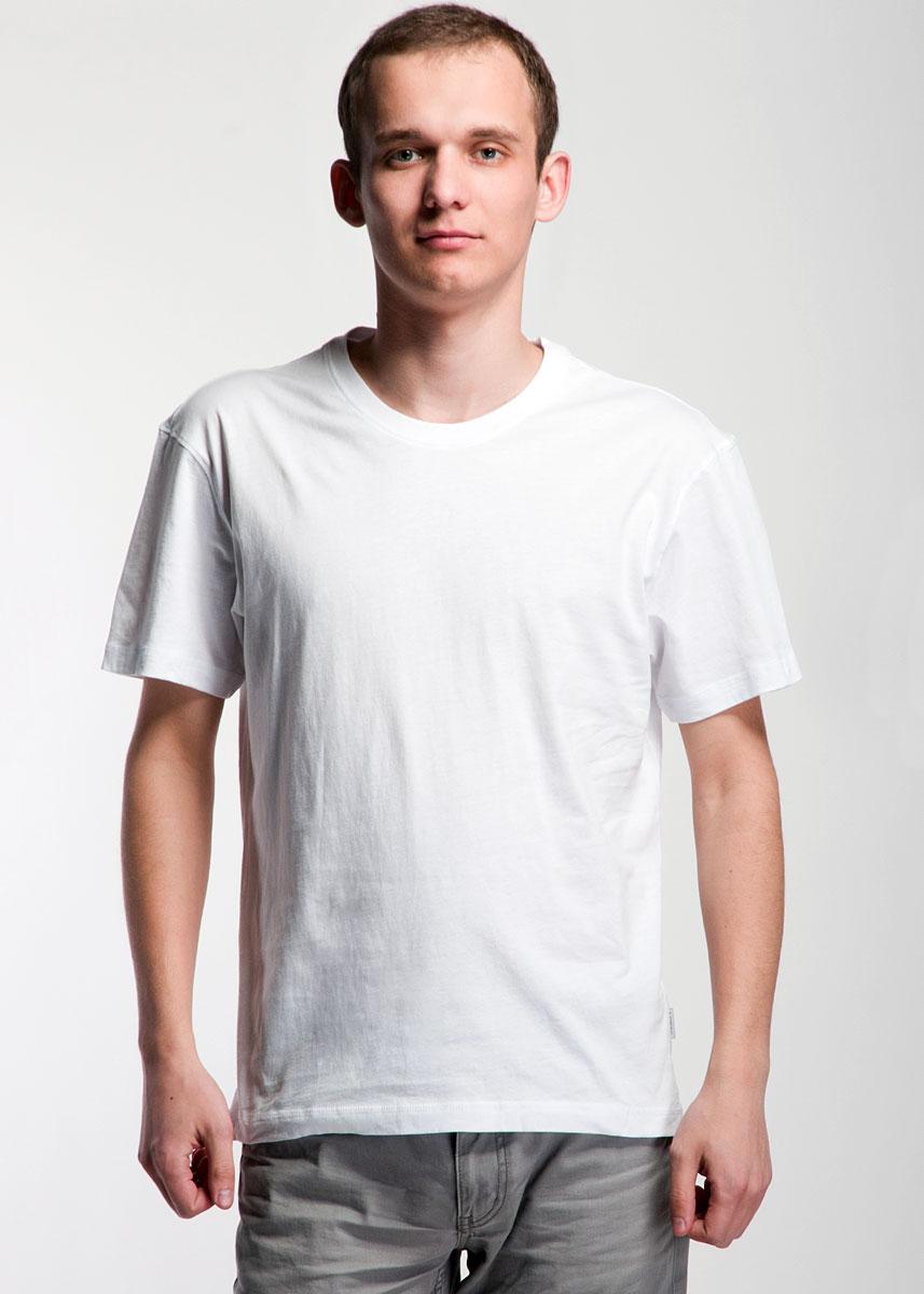 Футболка мужская Lowry, цвет: белый. MF-301. Размер XL (50)MF-301Мужская футболка Lowry, изготовленная из высококачественного хлопка, мягкая и приятная на ощупь, не сковывает движения, обеспечивая наибольший комфорт.Модель с короткими рукавами и круглым вырезом горловины выполнена в лаконичном стиле. Вырез горловины дополнен трикотажной резинкой. Нижняя часть модели по боковым швам дополнена небольшими разрезами.