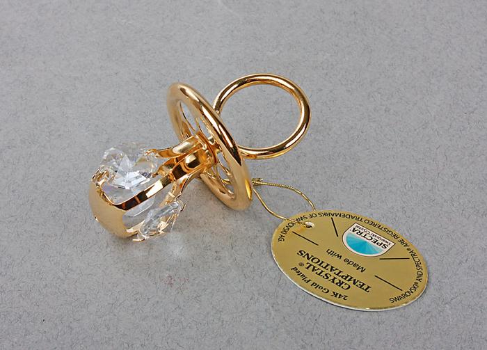 Фигурка декоративная Соска, цвет: золотистый. 445457445457Декоративная фигурка Соска выполнена из металла золотистого цвета и украшена белыми кристаллами Swarovski. Поставьте фигурку на стол в офисе или дома и наслаждайтесь изящными формами и блеском кристаллов. Изысканный и эффектный, этот сувенир покорит своей красотой и изумительным качеством исполнения, а также станет замечательным подарком. Характеристики:Материал: металл, кристаллы Swarovski. Размер фигурки: 3,5 см х 3,5 см х 6 см. Цвет: золотистый. Размер упаковки: 5 см х 4 см х 8 см. Артикул: 445457.