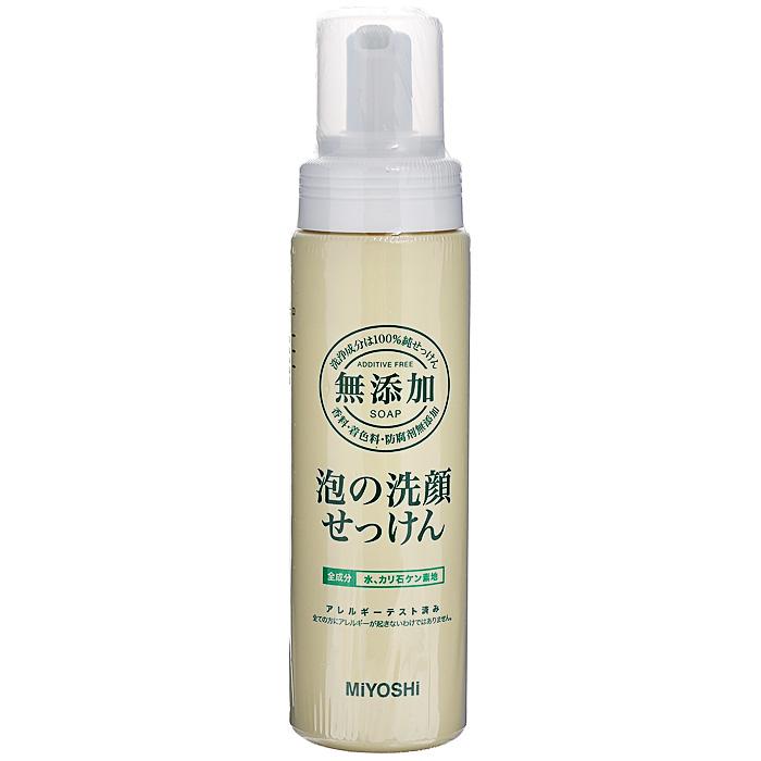 Miyoshi Пенящееся средство для умывания, на основе натуральных компонентов, 200 мл120019Средство для умывания Miyoshi прекрасно удаляет излишки кожных выделений, не нарушая естественного защитного липидного барьера кожи. Образует нежную кремовую пену. Мягко воздействует на кожу благодаря моющим компонентам растительного происхождения. Не вызывает аллергических реакций. Особенно рекомендуется для ухода за чувствительной кожей, а также кожей, склонной к шелушению и раздражениям.Не содержит отдушек, стабилизаторов, консервантов. Характеристики:Объем: 200 мл. Артикул: 120019. Производитель: Япония. Товар сертифицирован.