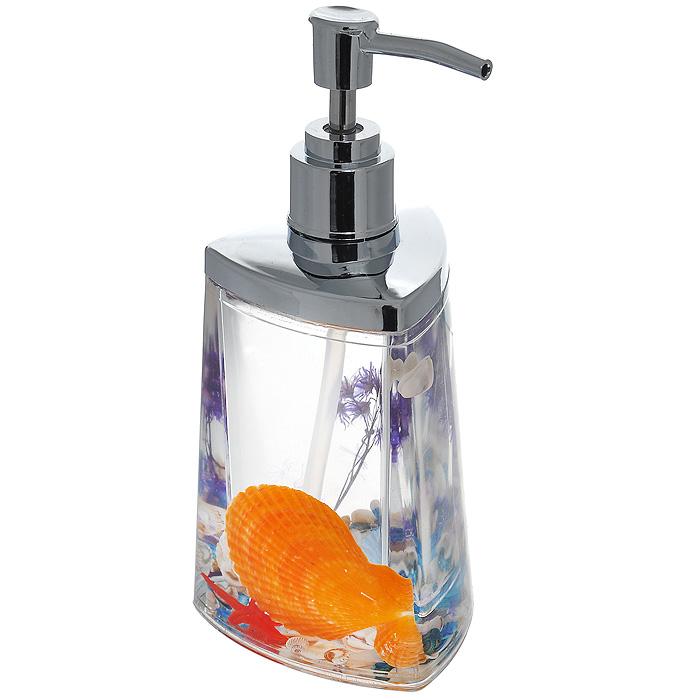 Дозатор для жидкого мыла Fantasy877-48Дозатор для жидкого мыла Fantasy, изготовленный из прозрачного пластика, отлично подойдет для вашей ванной комнаты. Дозатор имеет двойные стенки, между которыми находится прозрачный гелевый наполнитель с разноцветными ракушками, красной морской звездой и сиреневой веточкой. Такой аксессуар очень удобен в использовании, достаточно лишь перелить жидкое мыло в дозатор, а когда необходимо использование мыла, легким нажатием выдавить нужное количество. Дозатор для жидкого мыла Fantasy создаст особую атмосферу уюта и максимального комфорта в ванной. Характеристики: Материал: пластик, акрил, гелевый наполнитель. Цвет: оранжевый, голубой, сиреневый, красный. Размер дозатора: 7,5 см х 7,5 см х 17 см. Производитель: Швеция. Изготовитель: Китай. Размер упаковки: 8,5 см х 8,5 см х 17,5 см. Артикул: 877-48.