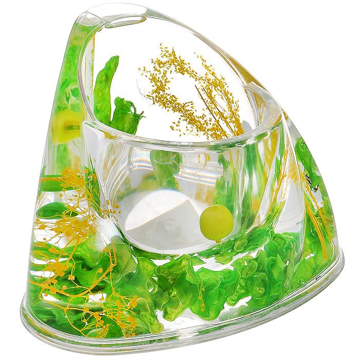 """Ершик для унитаза """"Green Garden"""" выполнен из пластика с жестким ворсом. Он хранится в специальной пластиковой подставке. Внутри подставки и ершика прозрачный гелевый наполнитель с зелеными листочками, веточками и ягодами. Ершик отлично чистит поверхность, а грязь с него легко смывается водой. Стильный дизайн изделия притягивает взгляд и прекрасно подойдет к интерьеру туалетной комнаты.   Характеристики:  Материал: пластик, акрил, гелевый наполнитель. Цвет: зеленый, салатовый, желтый. Длина ершика: 35 см. Размер подставки для ершика: 16,5 см х 12,5 см х 11 см. Размер упаковки: 14 см х 12,5 см х 11,5 см. Производитель: Швеция. Изготовитель: Китай. Артикул: 808-54."""