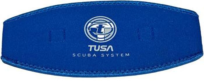 Чехол для ремня маски Tusa, цвет: синийTS MS-20 CBLЗащитный неопреновый оголовник одевается на ремешок маски. Изготовлен из плотного неопрена. Дает доболнительный комфорт при одевании и снимании маски. Характеристики:Материал: неопрен. Размер чехла: 21 см х 10 см.Размер упаковки: 23 см х 12 см х 0,5 см.