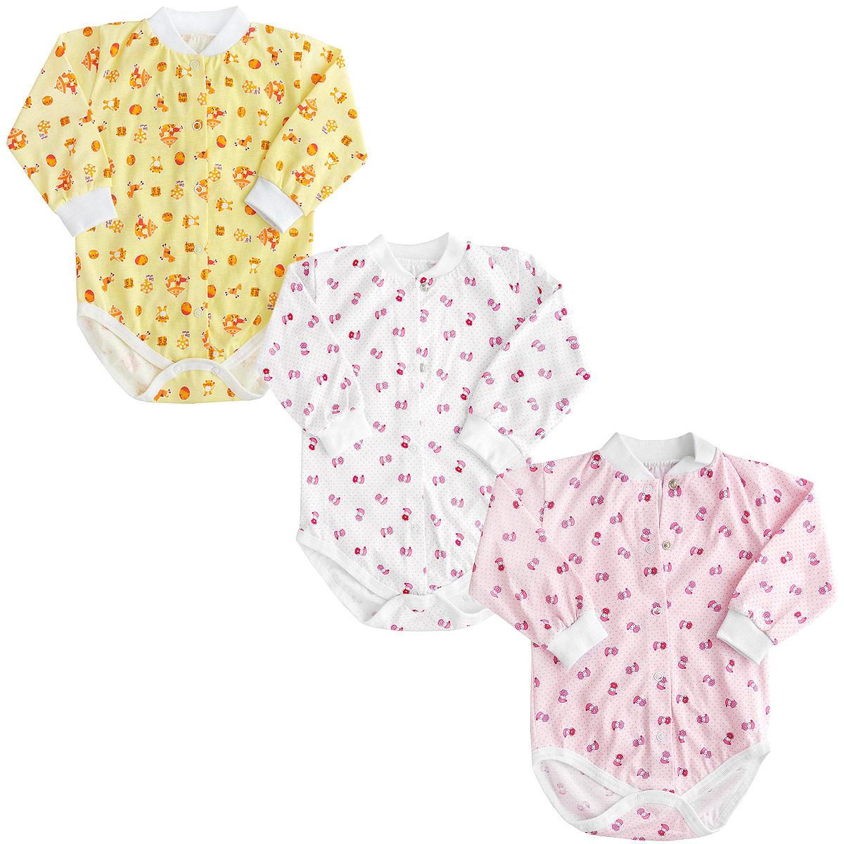 Боди для девочки Фреш стайл, цвет в ассортименте, 3 шт. 10-327д. Размер 5610-327дКомплект Фреш Стайл состоит из трех детских боди для девочки.Боди с длинными рукавами послужат идеальным дополнением к гардеробу малышки, обеспечивая ей наибольший комфорт. Изготовленные из натурального хлопка, они необычайно мягкие и легкие, не раздражают нежную кожу ребенка и хорошо вентилируются, а эластичные швы приятны телу малышки и не препятствуют ее движениям. Удобные застежки-кнопки по всей длине и на ластовице помогают легко переодеть младенца или сменить подгузник. Застежки-кнопки располагаются по центру модели.Края модели окантованы. Горловина дополнена эластичной резинкой. Украшены боди яркими рисунками.Боди полностью соответствуют особенностям жизни малышки в ранний период, не стесняя и не ограничивая ее в движениях!УВАЖАЕМЫЕ КЛИЕНТЫ!Обращаем ваше внимание на тот факт, что товар поставляется в цветовом ассортименте. Поставка осуществляется в зависимости от наличия на складе.