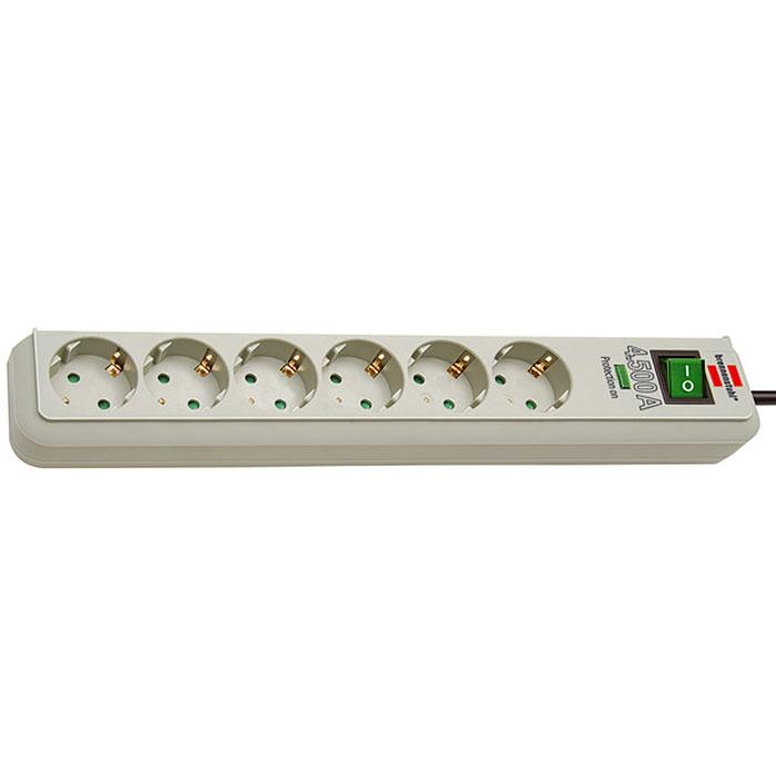 Brennenstuhl Eco-Line сетевой фильтр на 6 розеток, Light Grey1159750015Сетевой фильтр на 6 розеток Brennenstuhl Eco-Line защищает устройства от скачков напряжения. Фильтр оснащен индикатором активного состояния защиты от скачков напряжения. Гнезда розеток защищены от детей и расположены под углом 45°.Тип кабеля: H05VV-F 3G1,5