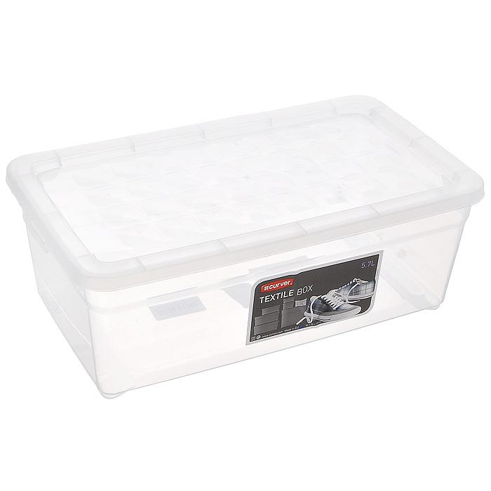 """Контейнер для хранения """"Textile Line"""", выполненный из прочного прозрачного пластика, предназначен для хранения различных вещей. Крышка легко открывается и плотно закрывается с помощью легкого щелчка. Контейнер поможет хранить все в одном месте, а также защитить вещи от пыли, грязи и влаги. Характеристики:  Материал:  пластик. Цвет:  прозрачный. Объем:  5,7 л. Размер (Д х Ш х В): 32 см х 17 см х 12 см. Артикул: 03003."""